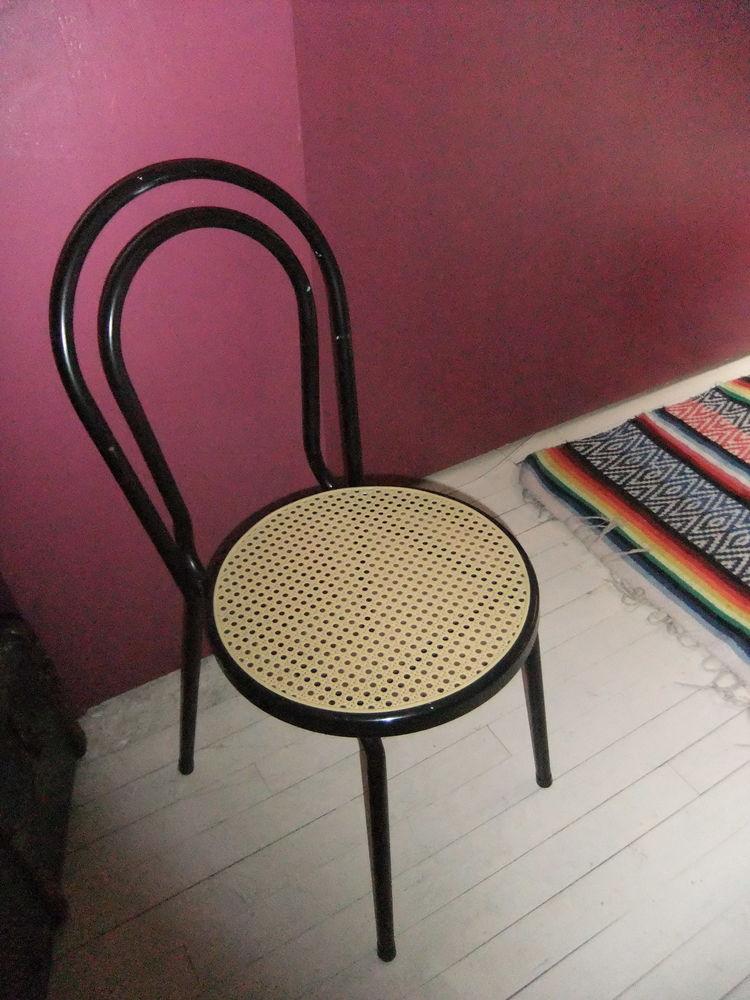 Achetez chaise bistrot occasion annonce vente blagnac for Chaise bistrot d occasion