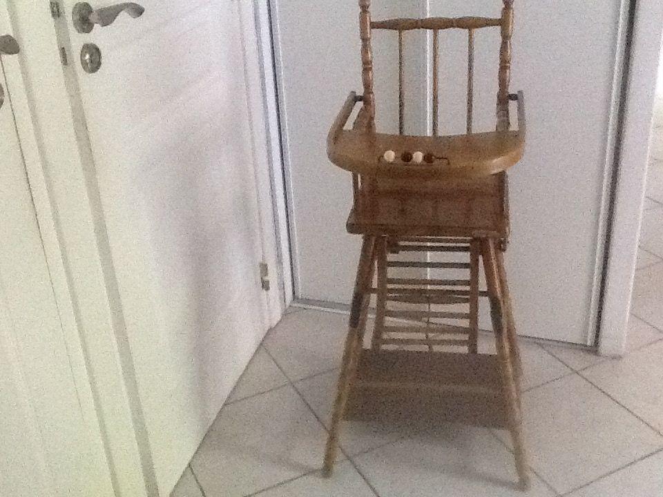 chaise en bois ancienne 90 Saint-Savin (38)