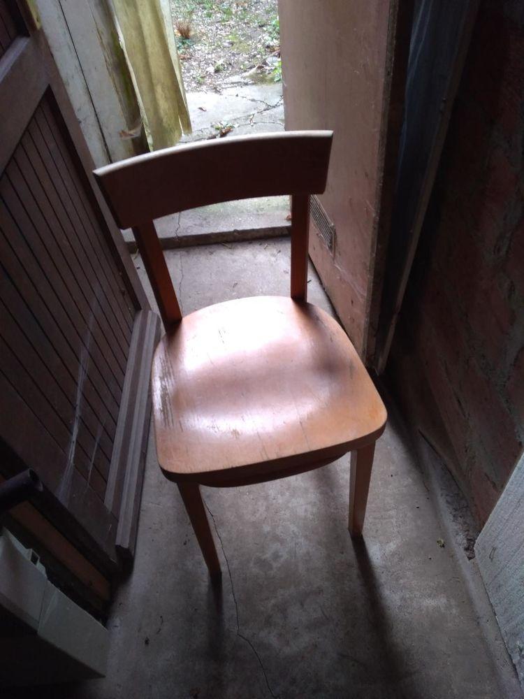 une chaise bois bon état 15 Marles-en-Brie (77)