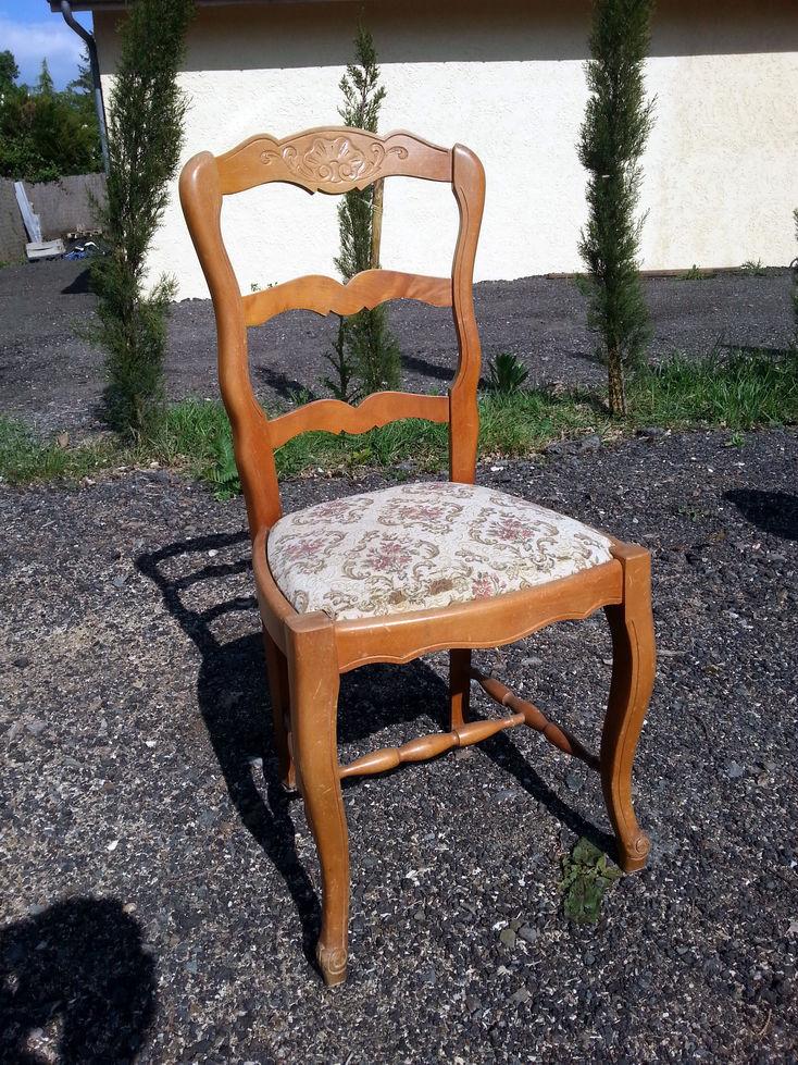 Chaise en bois et tissus 25 Tours (37)
