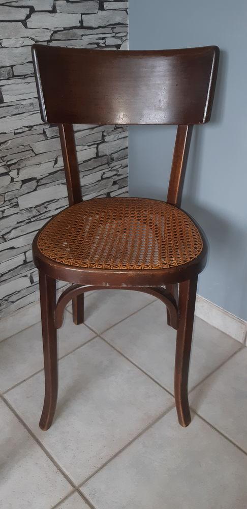 Chaise en bois 10 Mours (95)