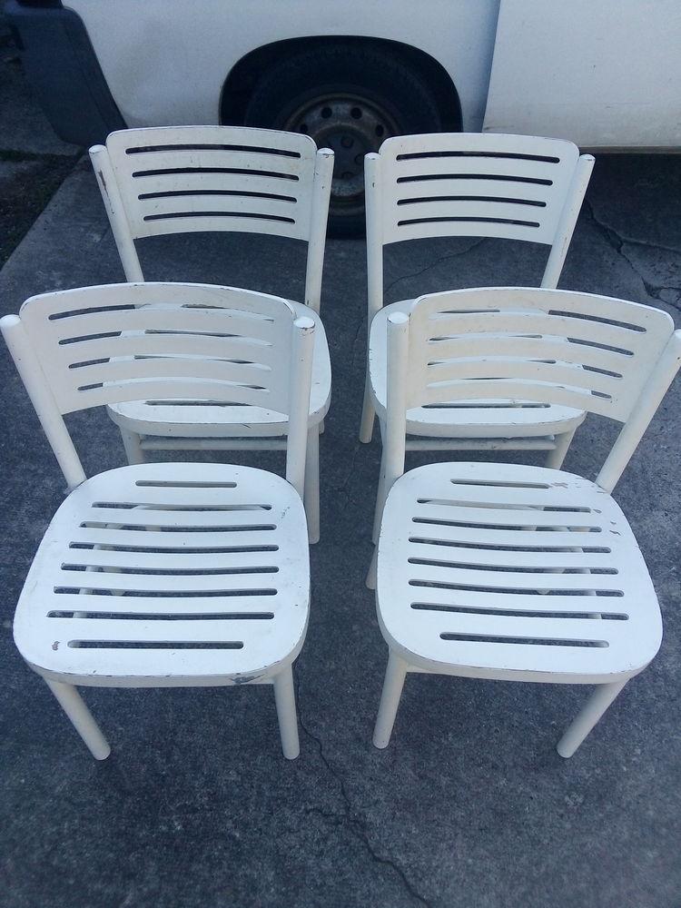 Chaise en bois 60 Marcigny (71)