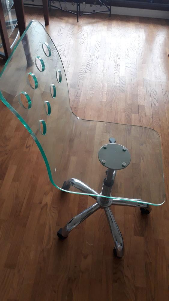 Chaise de bureau en plexiglass avec roulettes Meubles