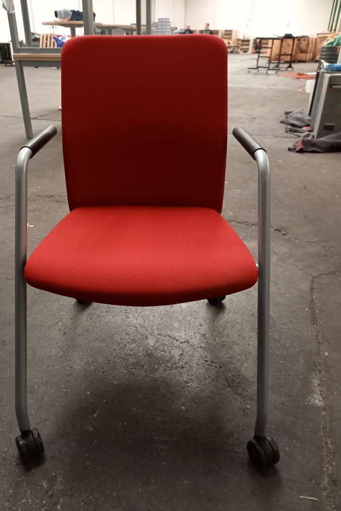 Chaise de bureau rouge à roulette  50 Grenoble (38)