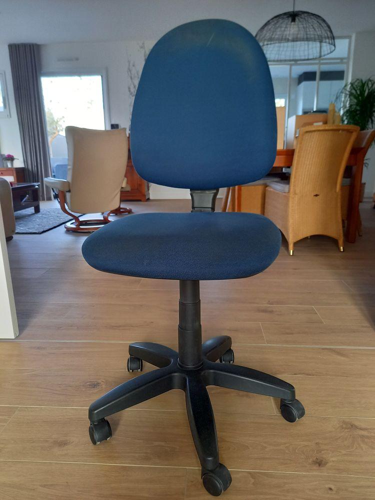 chaise de bureau 20 Vitré (35)
