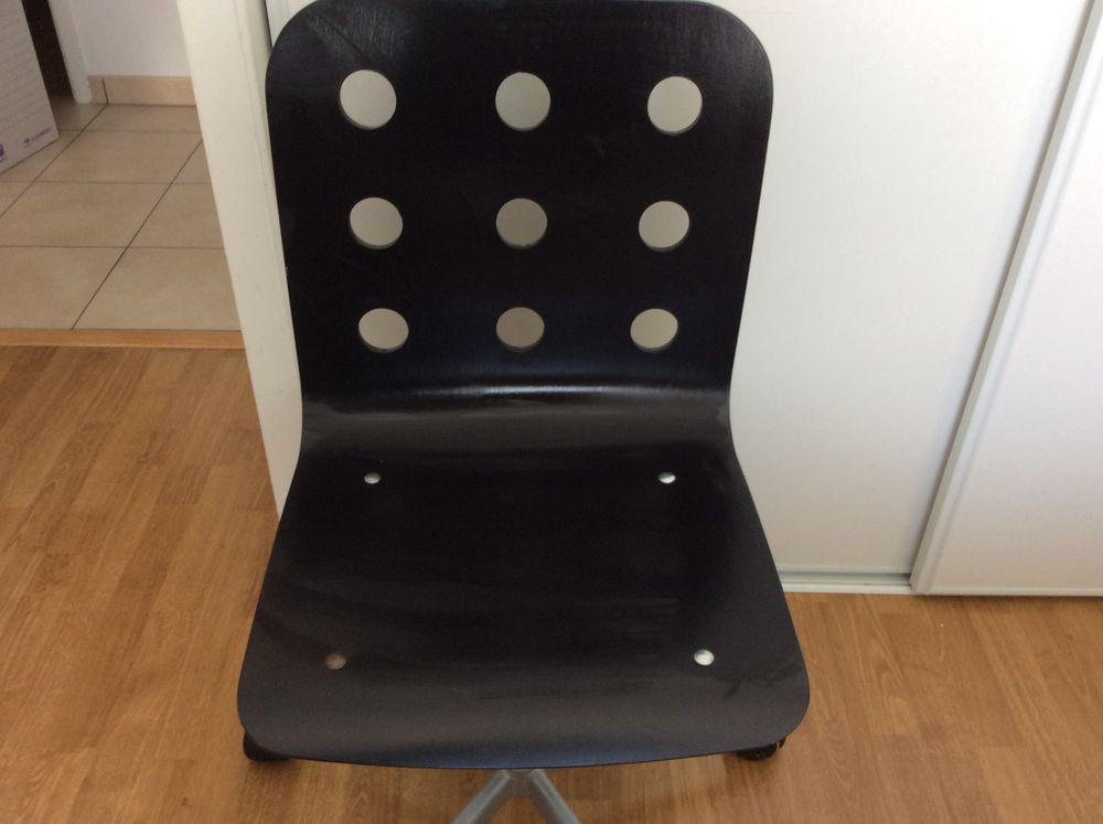 Chaise de bureau  15 Ferney-Voltaire (01)