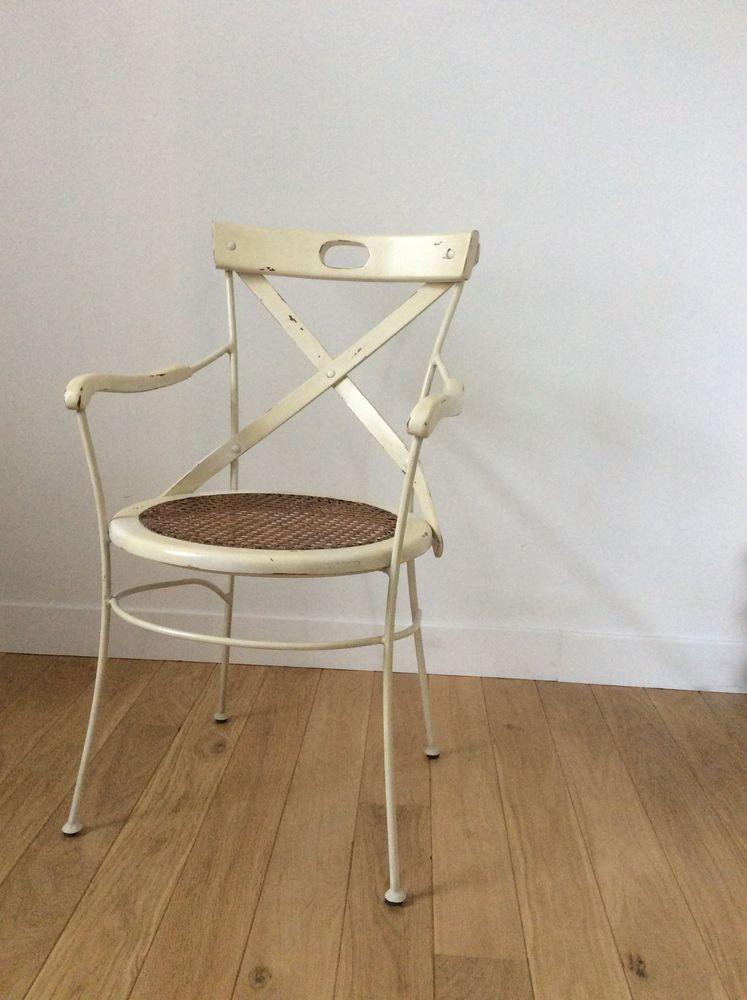 chaise cannée à accoudoirs en excellent état 40 La Bernerie-en-Retz (44)