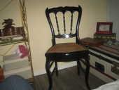 chaise cannelée noire bonne état 50 Six-Fours-les-Plages (83)