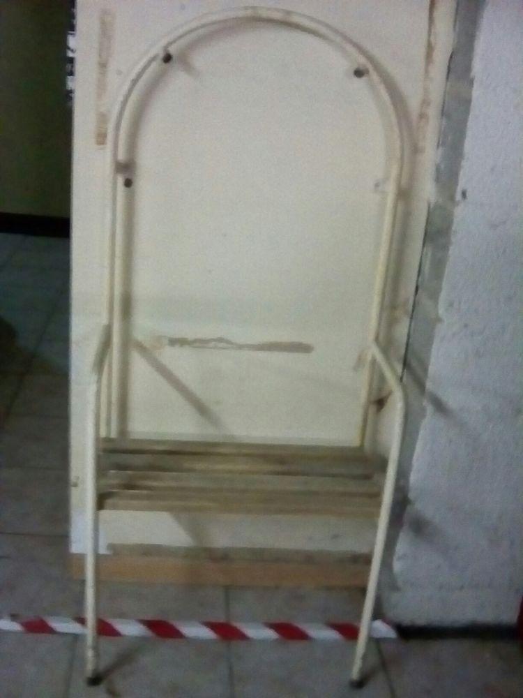 chaise de douche 20 Louvres (95)