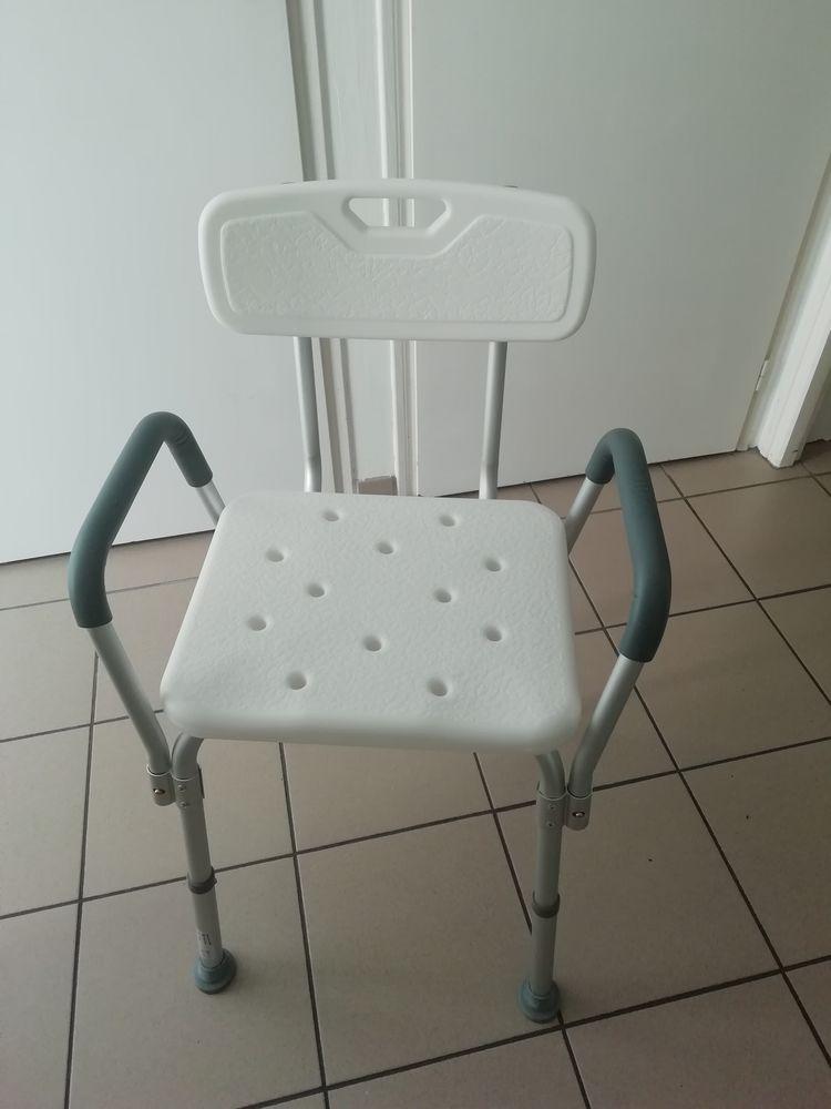 Chaise douche pmr 45 Dompierre-sur-Yon (85)