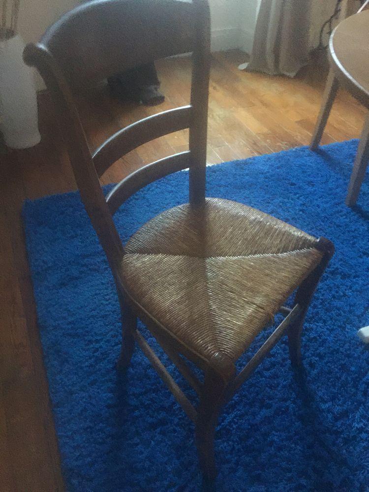 chaise de famille dans son jus 20€  20 Fontainebleau (77)