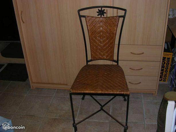 Chaise en fer forgé et roseaux tressé 15 Plédran (22)