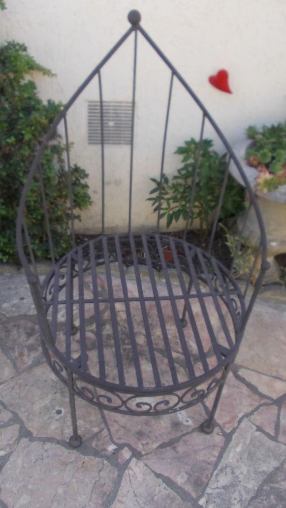 chaise en fer forgé 50 Thiais (94)