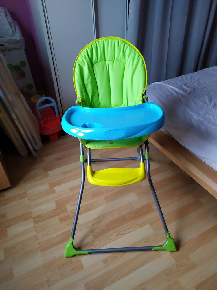 Chaise haute bébé 10 Douai (59)