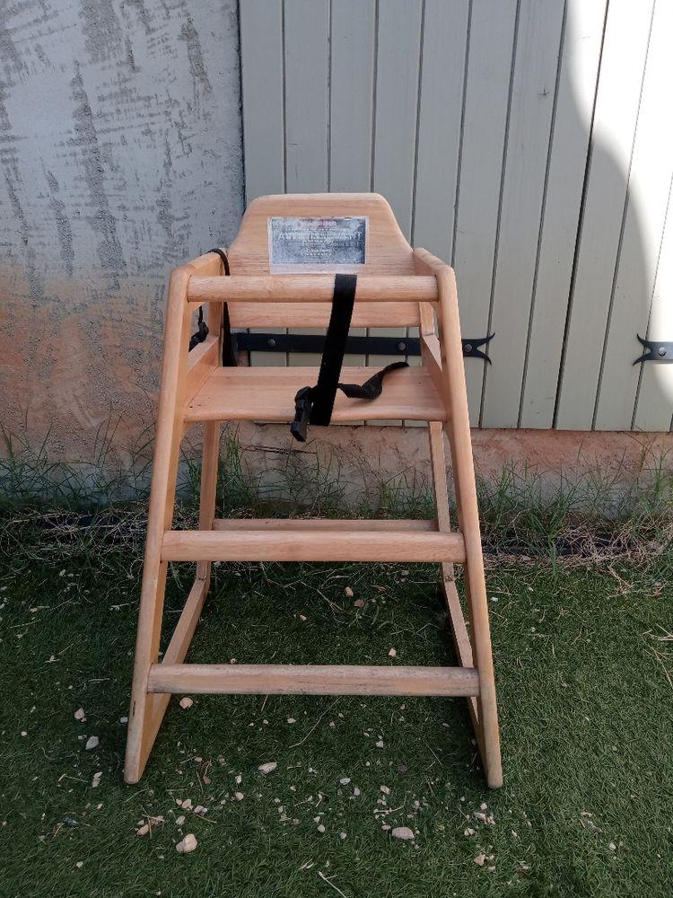 Chaise haute en bois 40 La Capelle-et-Masmolène (30)