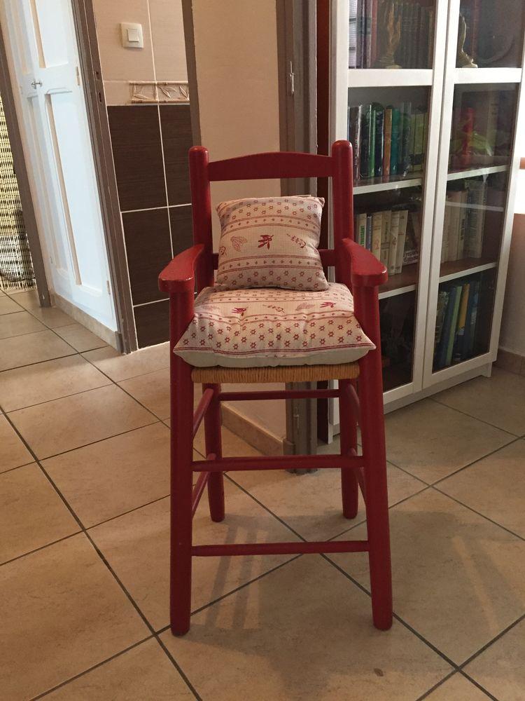 chaises occasion istres 13 annonces achat et vente de chaises paruvendu mondebarras. Black Bedroom Furniture Sets. Home Design Ideas