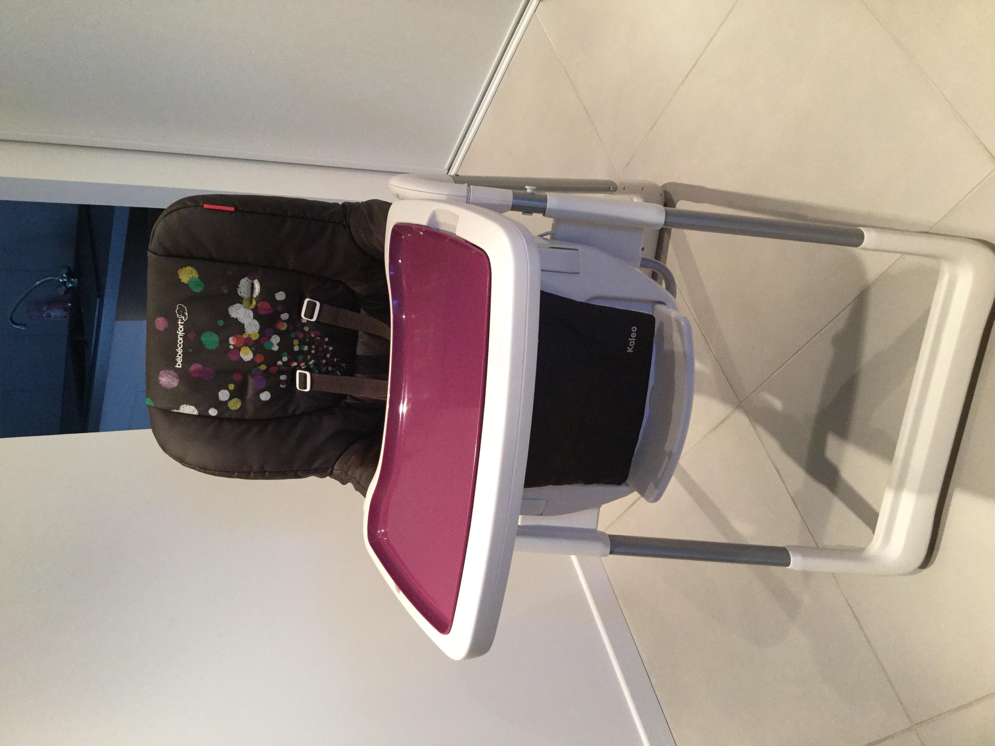 chaises hautes occasion dans le maine et loire 49 annonces achat et vente de chaises hautes. Black Bedroom Furniture Sets. Home Design Ideas