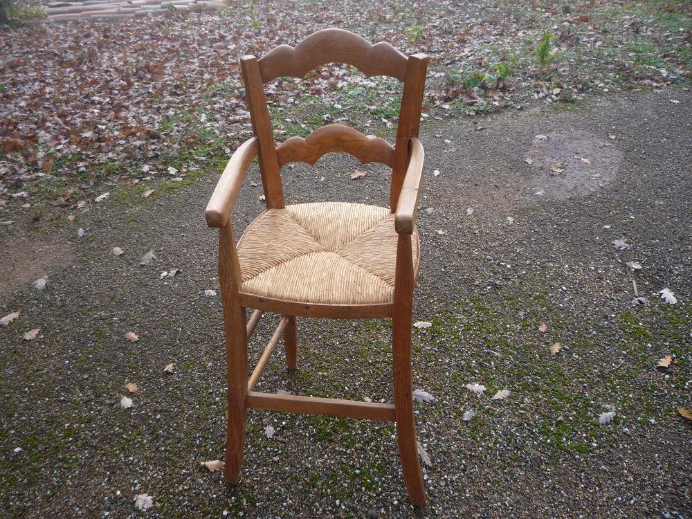 Chaise haute paillée pour enfant 125 Castres (81)