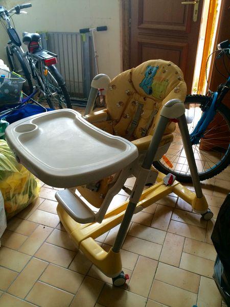 chaises hautes occasion dans le val d 39 oise 95 annonces achat et vente de chaises hautes. Black Bedroom Furniture Sets. Home Design Ideas