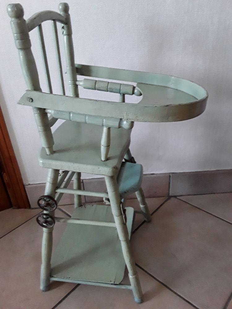 Chaise haute de poupées 1930. 10 Halluin (59)