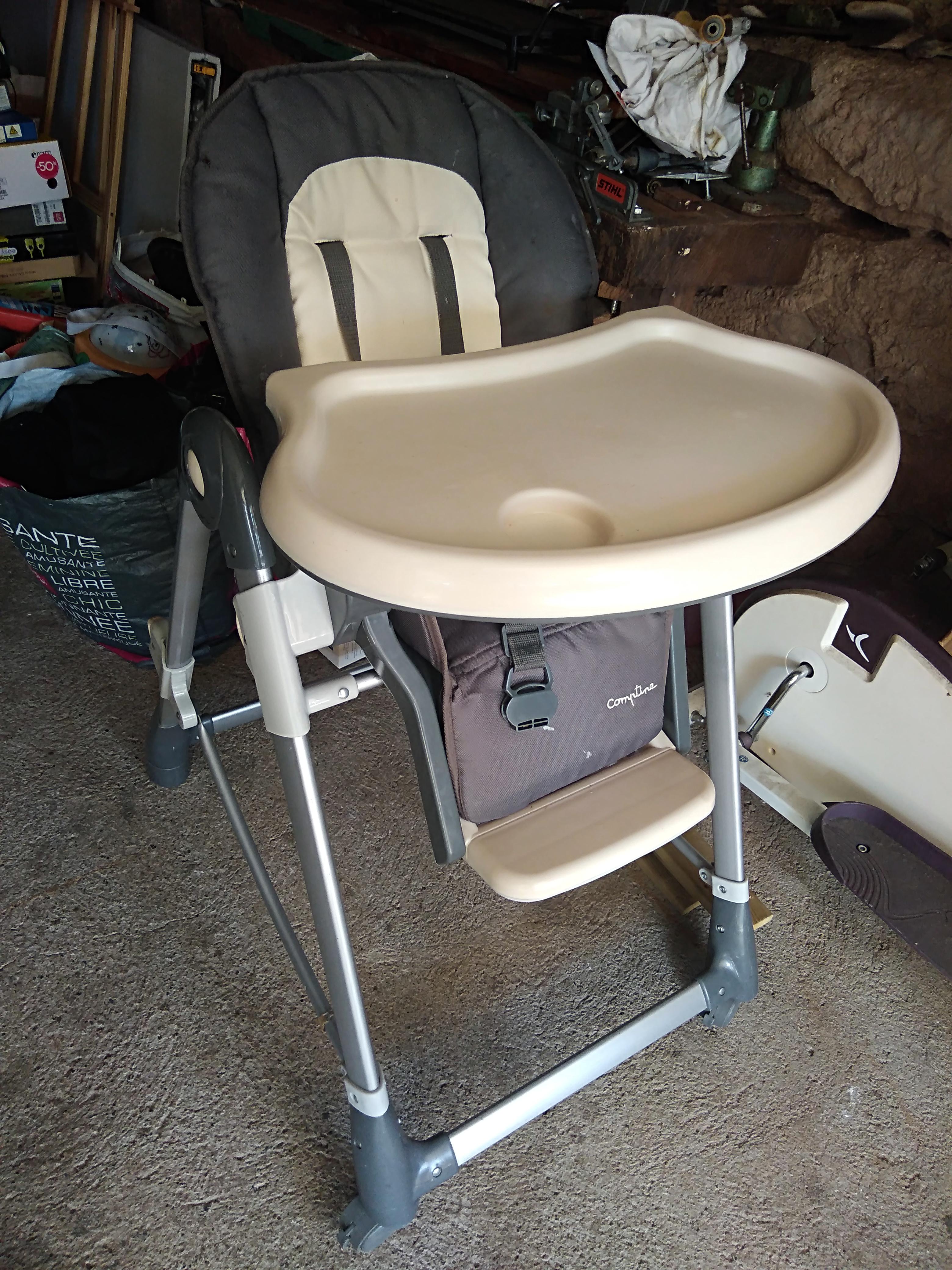 Chaise haute solide  40 Les Pradeaux (63)