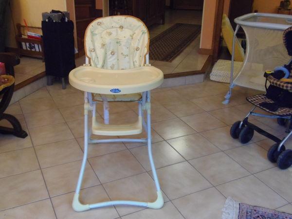 chaises hautes occasion dans la marne 51 annonces achat et vente de chaises hautes. Black Bedroom Furniture Sets. Home Design Ideas