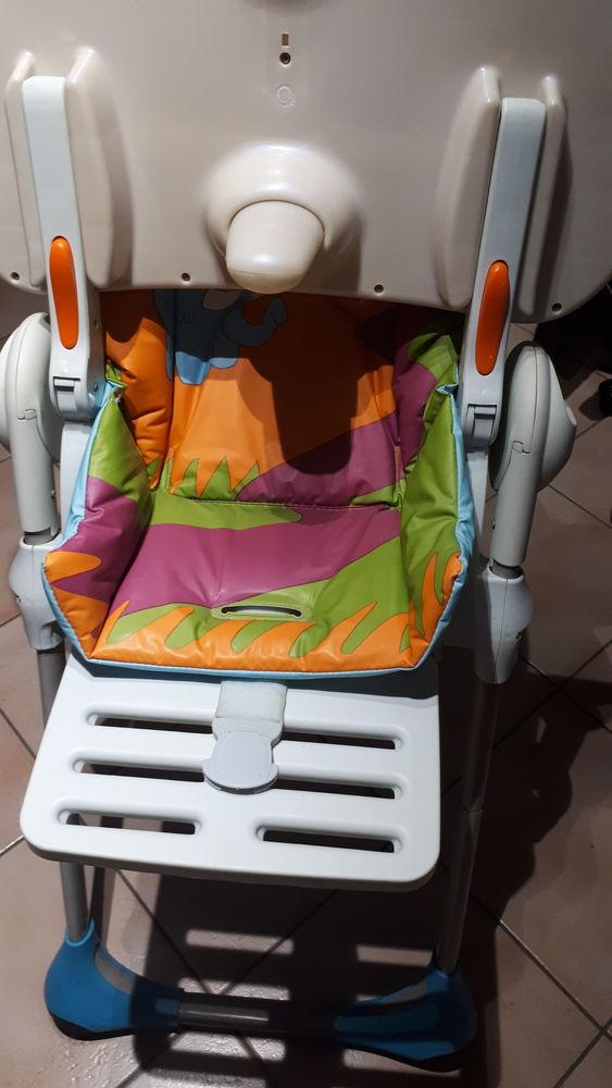 Chaise haute  50 Fameck (57)