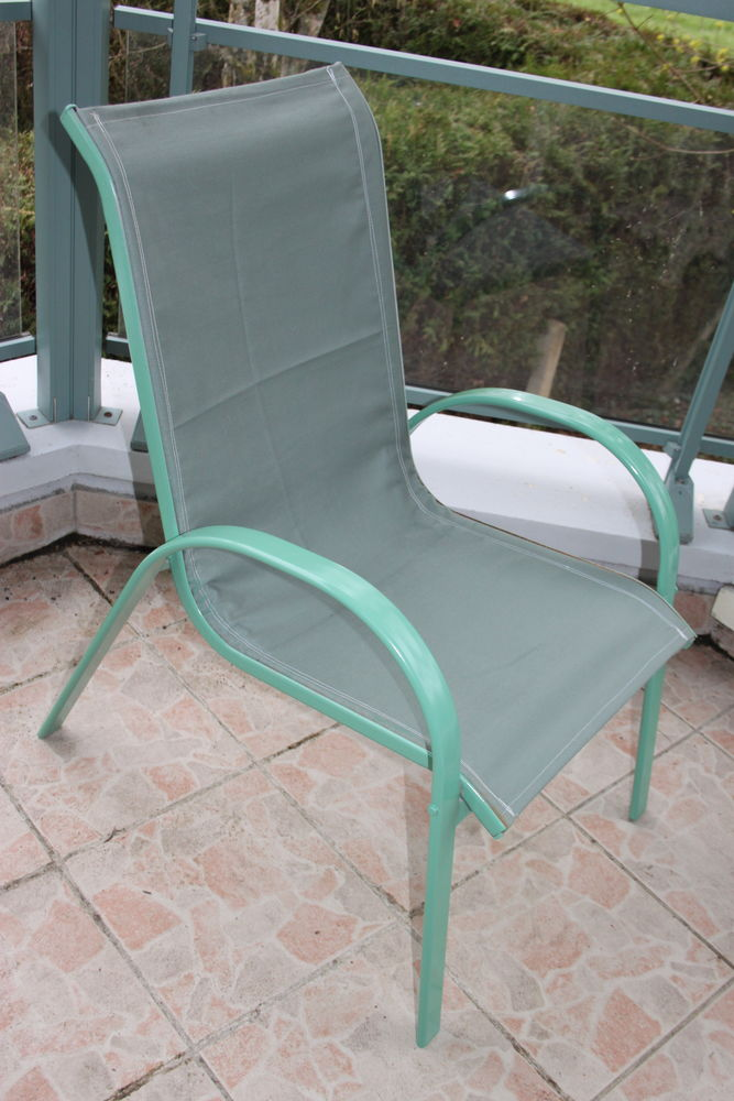 Chaise de jardin  12 Montigny-Lencoup (77)
