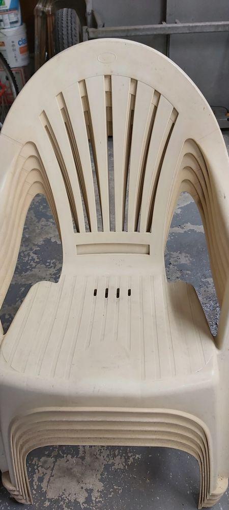 Chaise de jardin  0 Saint-Pierre-des-Fleurs (27)