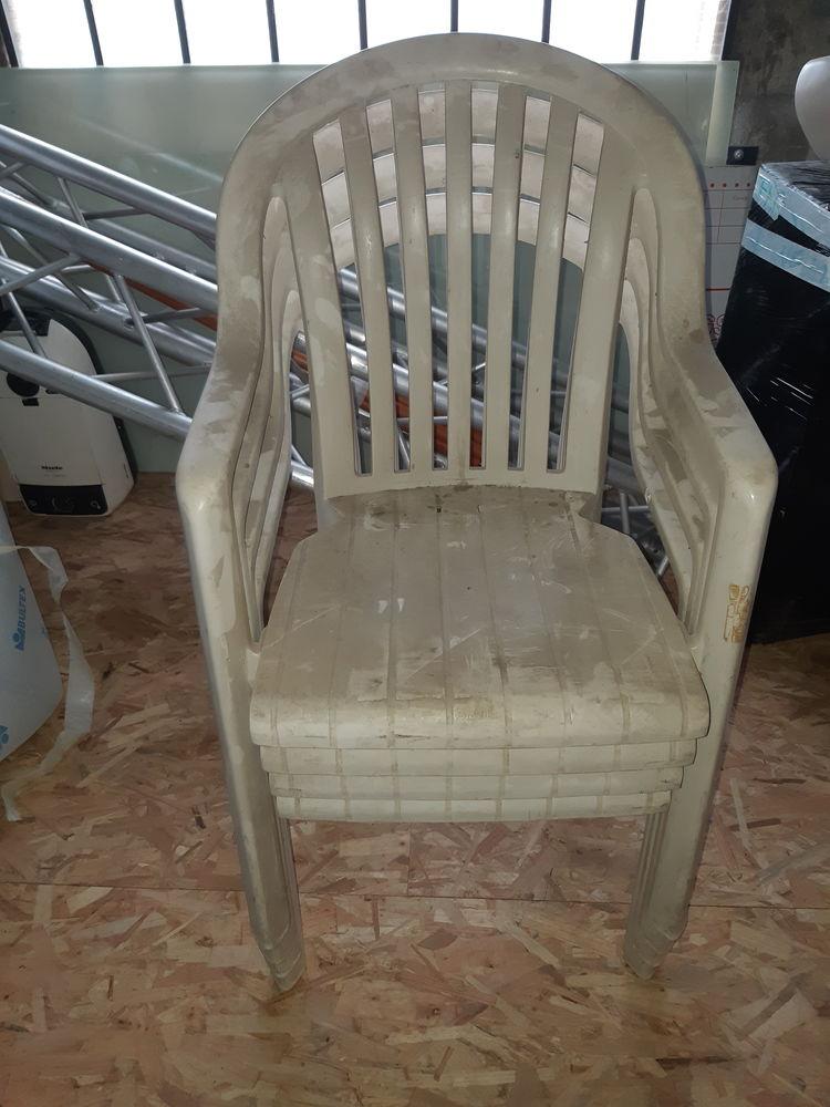 chaise de jardin  20 Bonneuil-sur-Marne (94)