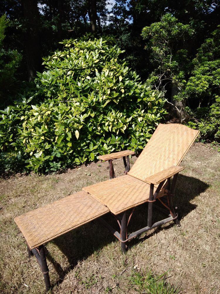 Chaise longue rotin et bambou, années 1900 180 Vigneux-de-Bretagne (44)