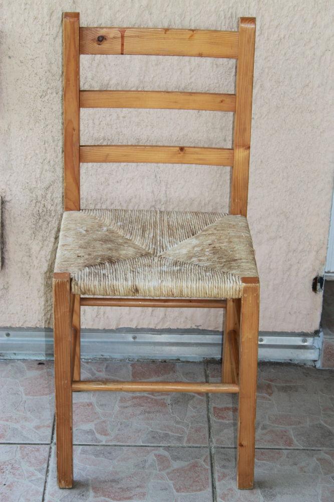 Chaise Pin massif  10 Montigny-Lencoup (77)