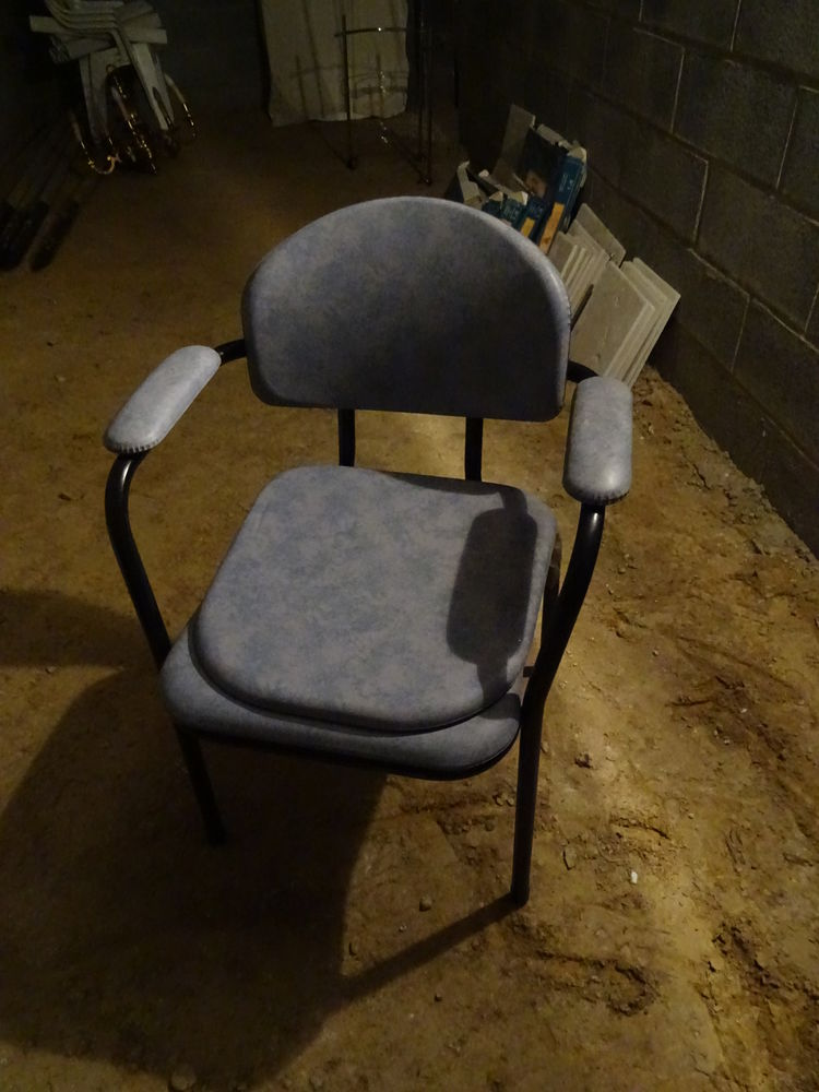 Chaise percée 0 Iwuy (59)
