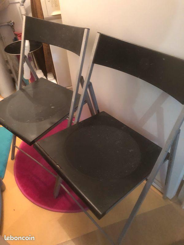 Chaise pliante en métal 35 Ivry-sur-Seine (94)