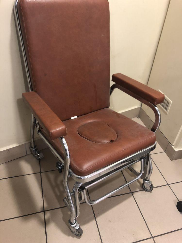 chaise pour personnes invalides 150 Clamart (92)