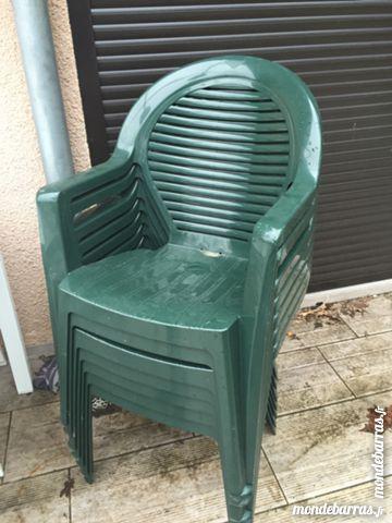 Achetez chaise de table de occasion annonce vente aigrefeuille 31 wb1530 - Chaise de jardin pvc ...