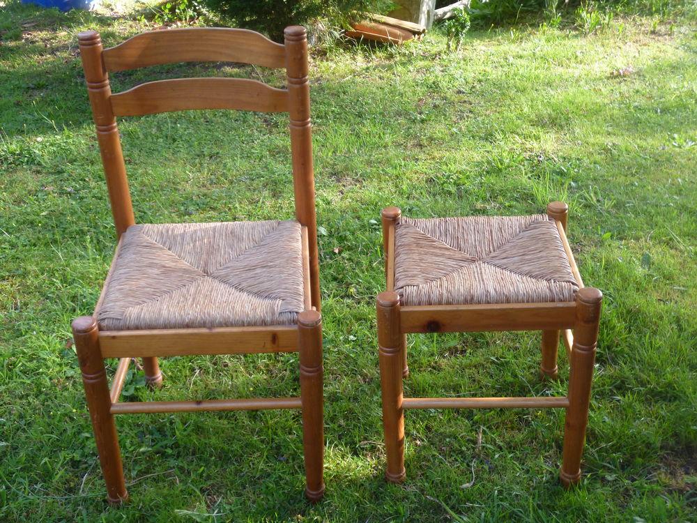 Une chaise et un tabouret 20 Mont-de-Marsan (40)