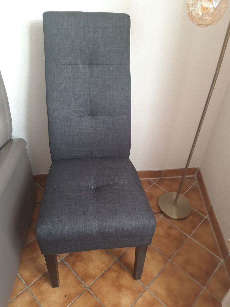 Chaise tissus 20 Mirecourt (88)