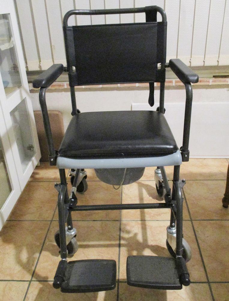 Chaise-Toilette et Douche à roulettes / confort / NEUVE 100 Toulouse (31)
