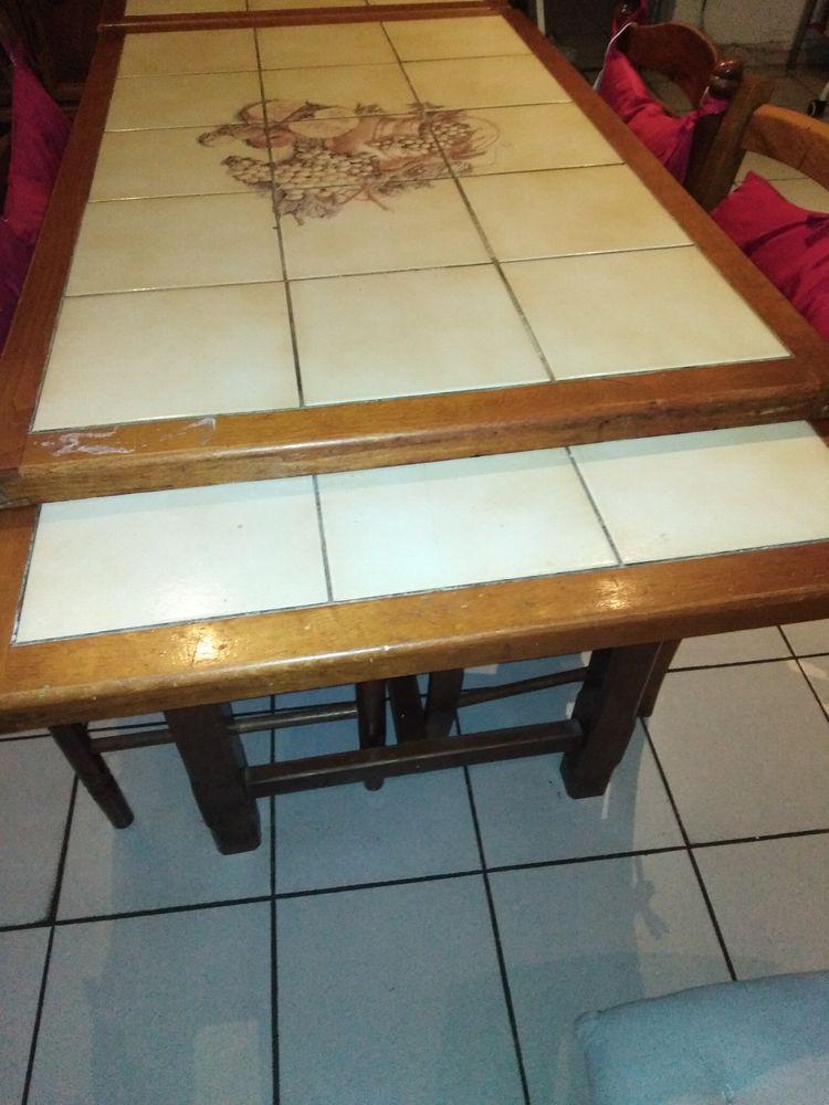 5 chaise et une très belle table de cuisine 100 Frontignan (34)
