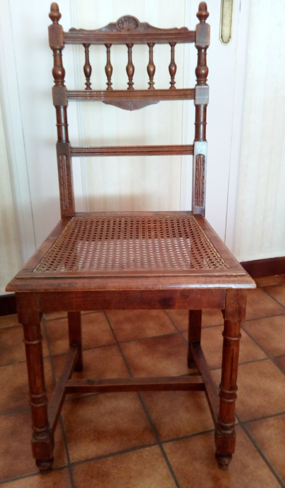 chaise vintage cannée en bois 25 Rezé (44)