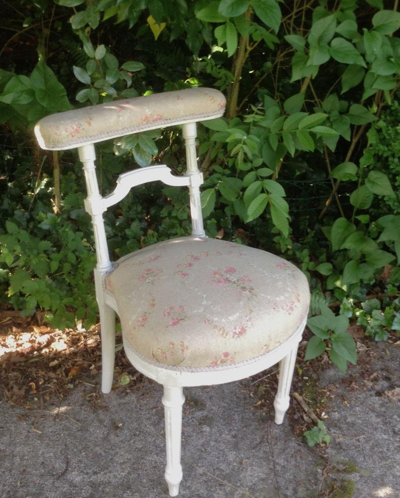 Chaise voyeuse entièrement restaurée 240 Saint-Cyr-sur-Morin (77)