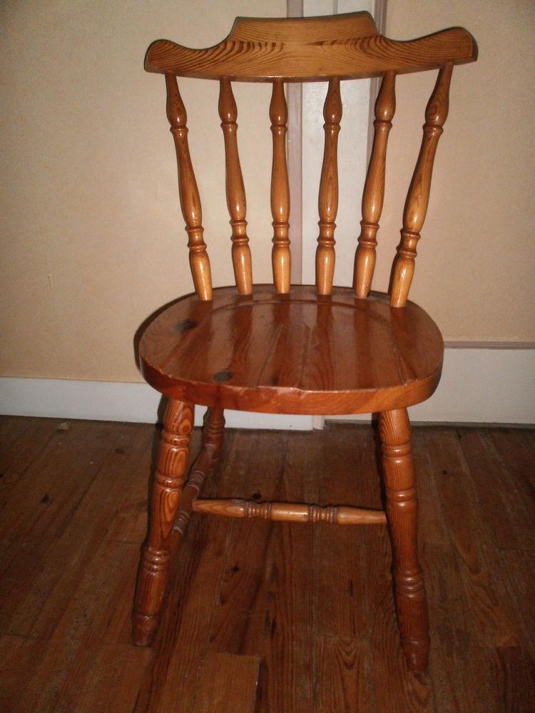 chaise en pin 18 Saint-Lô (50)