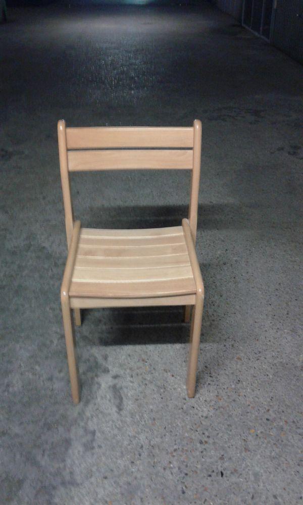 chaise en pin 10 Rosny-sous-Bois (93)