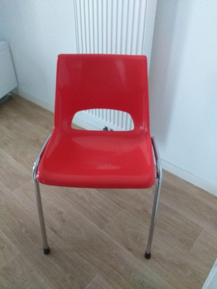 chaise 20 Hénin-Beaumont (62)