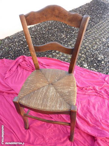 2 chaises anciennes 20 Torvilliers (10)