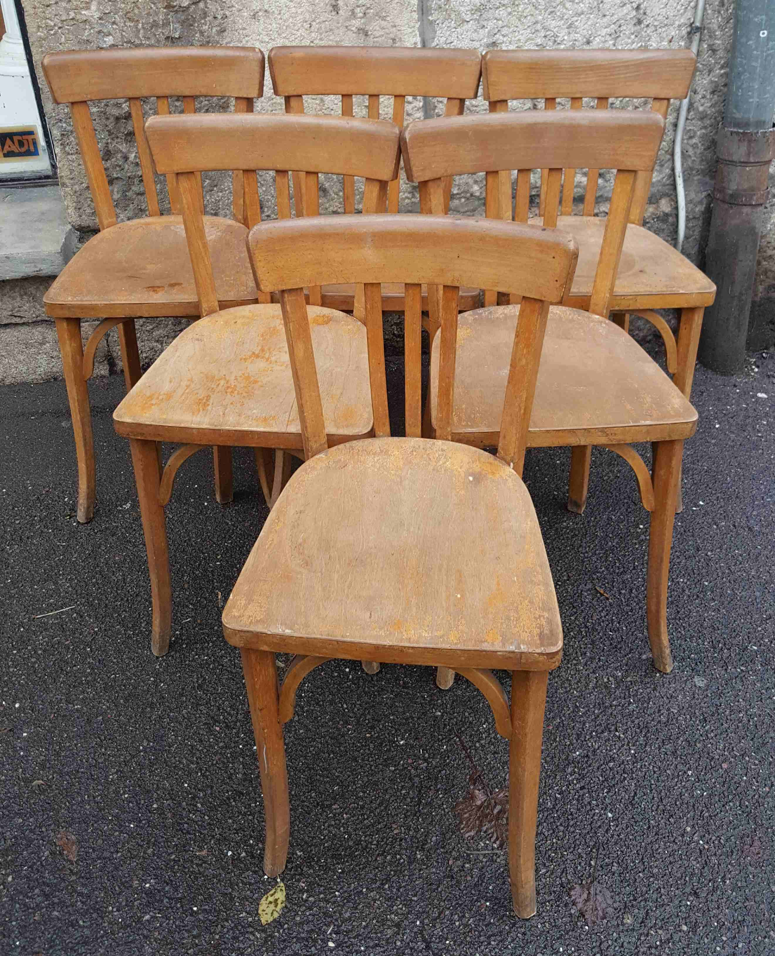 Chaises bistrot anciennes baumann meubles with chaises for Chaise occasion