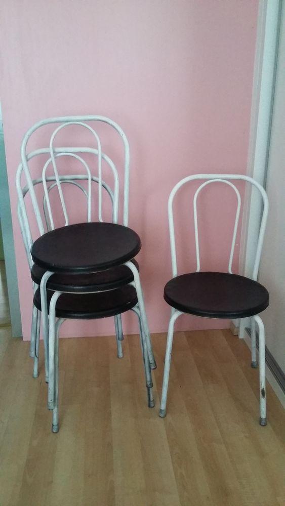 4 chaises bistrot en fer : 40 euros le tout 40 Strasbourg (67)