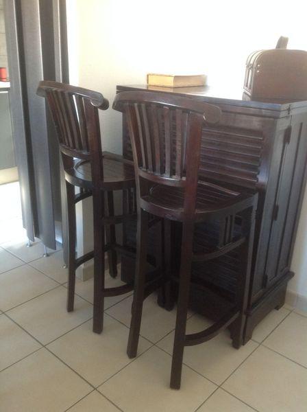 elegant chaises de bar en bois maison du monde meubles with table de bar maison du monde. Black Bedroom Furniture Sets. Home Design Ideas