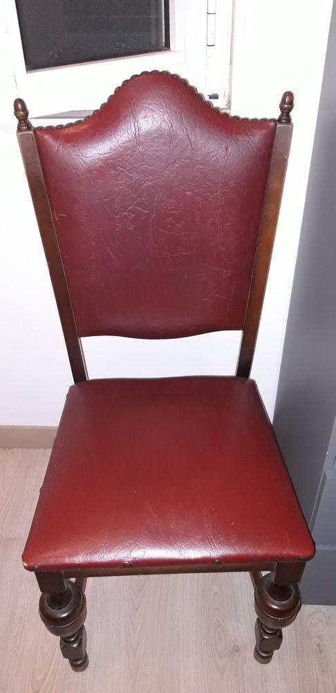 5 chaises bois et simili cuir 0 La Turbie (06)